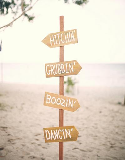 wooden-sign-wedding